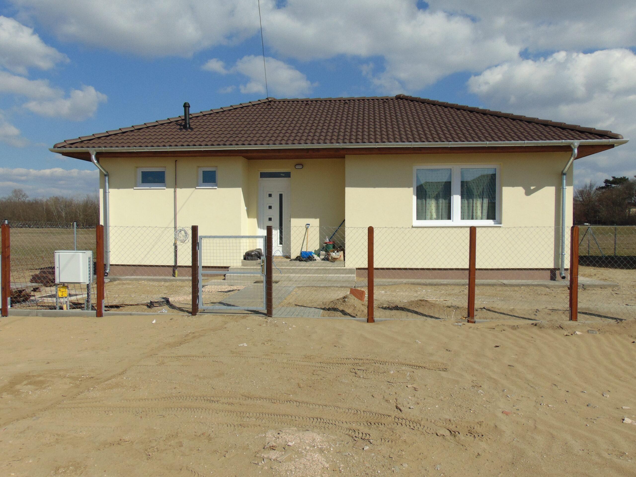 Nappali + 2 szobás 67 m² -es családi ház megrendelhető saját telekre, Kecskemét térségében!