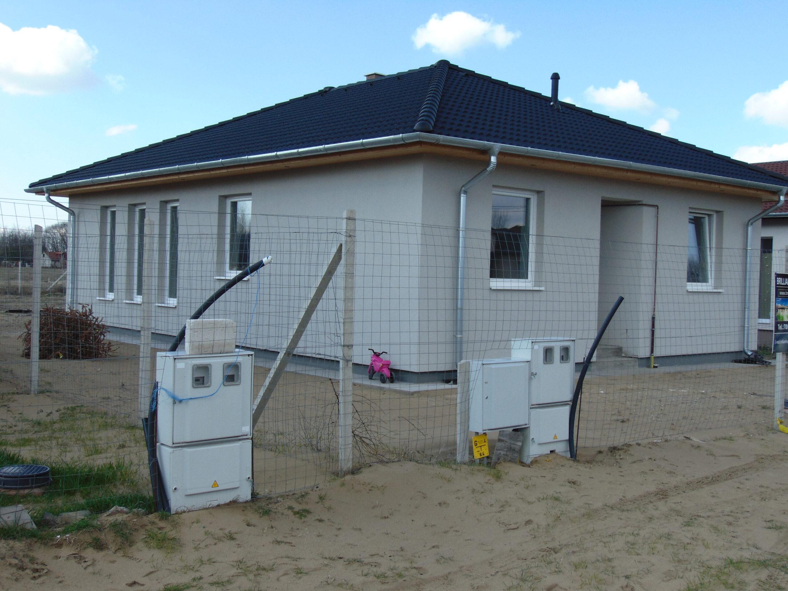 Nappali + 4 szobás 94 m²-es családi ház Kecskemét-Ballószögön, Saját telekre, napelem!