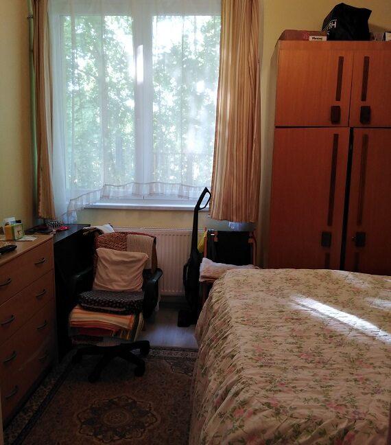 Kis szoba